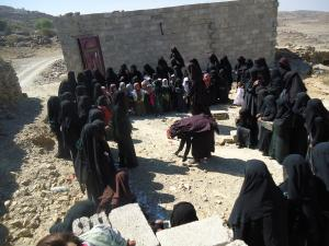 Triggering with women in Bani Rashid Village, Yemen